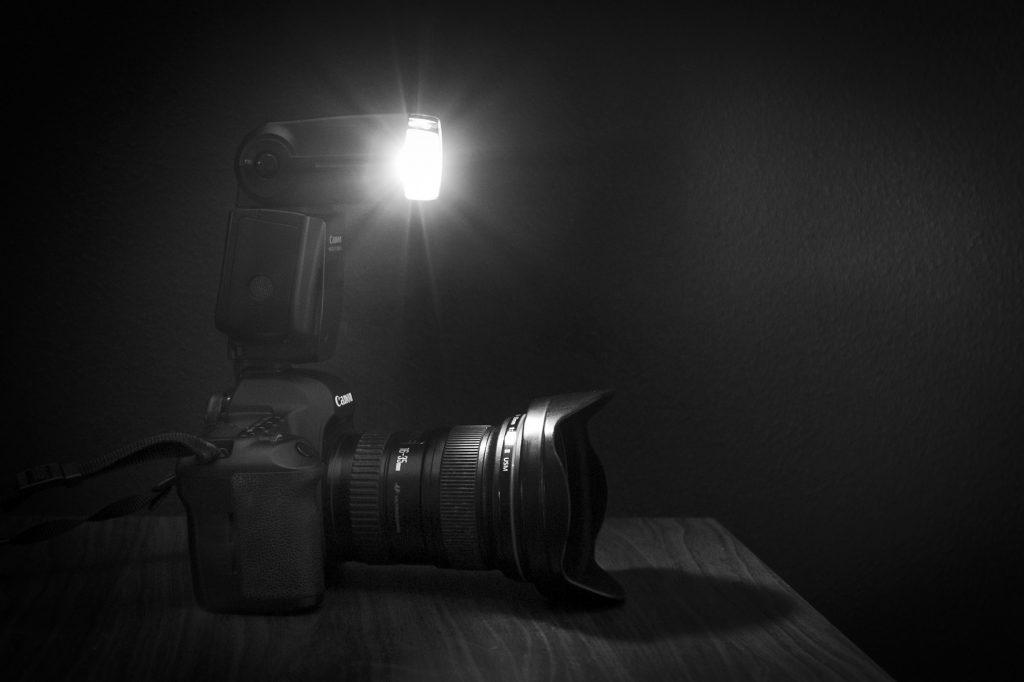 camera met flitser workshop flitsen met opzetflitser/portretfotografie